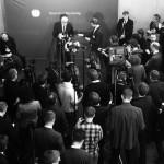 Presse Vor dem Ausschuss-Saal - Foto by @JoernPL (https://twitter.com/JoernPL)